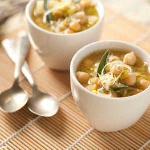 sopa de puerro y garbanzos