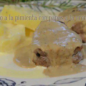 Lomo a la pimienta con papas a la crema